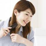 美しい髪の毛をブラッシングで!髪質に合わせた素材の選び方